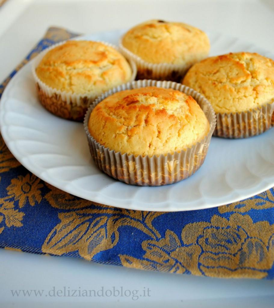 Muffin alla panna con cuore di cioccolato