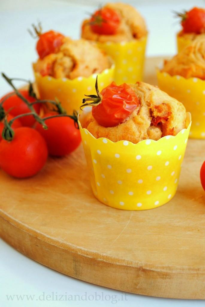 Muffins salati pomodorini e tonno