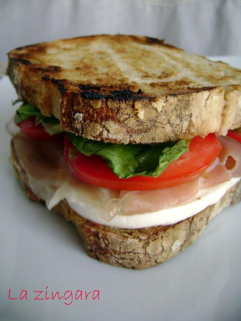 Un panino in attesa di….