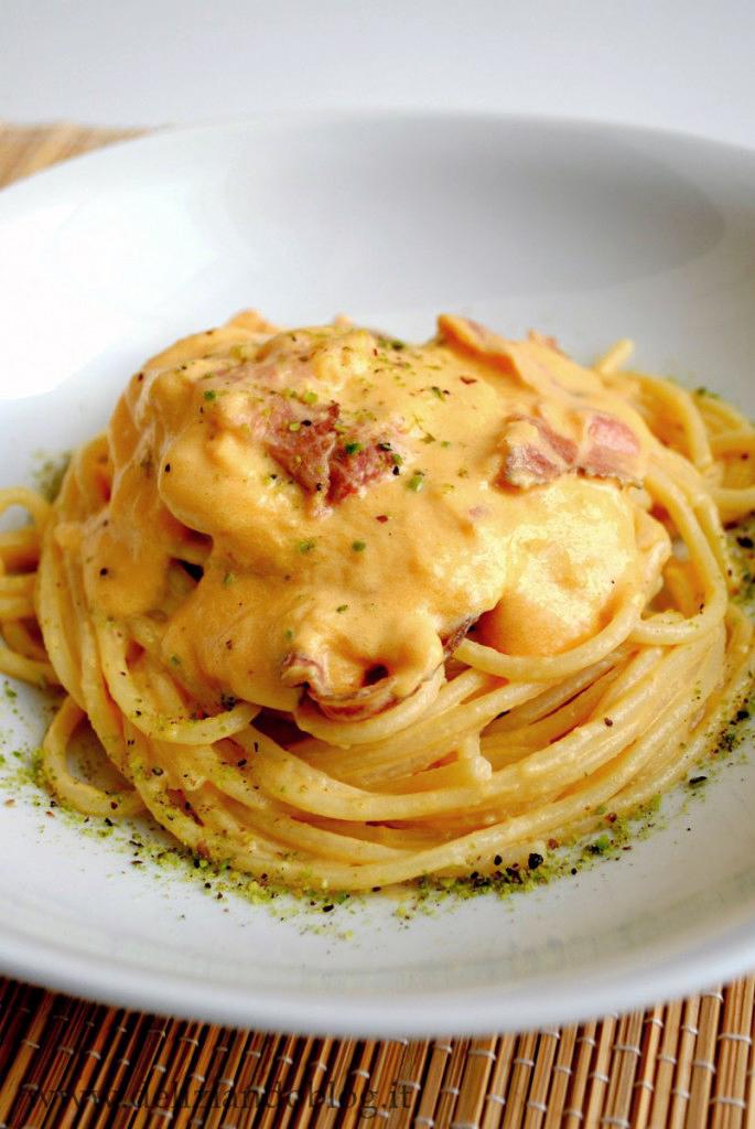 Spaghetti di Gragnano con crema di zucca e speck