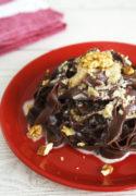Tagliatelle al cacao con salsa alle noci per San Valentino… e non solo