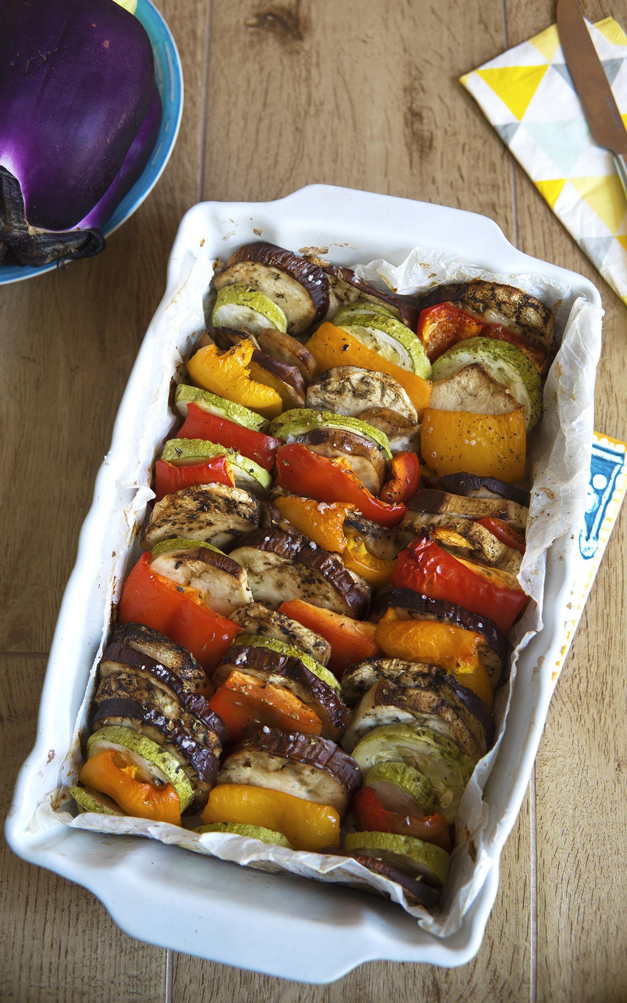 Verdure miste al forno, il contorno estivo leggero