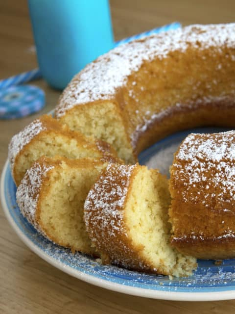 http://www.agrodolce.it/ricette/ciambella con farina di cocco