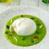Crema di piselli con burrata, la ricetta primaverile