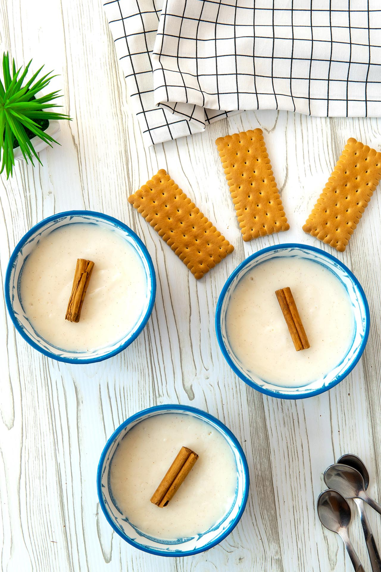 Biancomangiare, la ricetta originale siciliana (con biscotti)