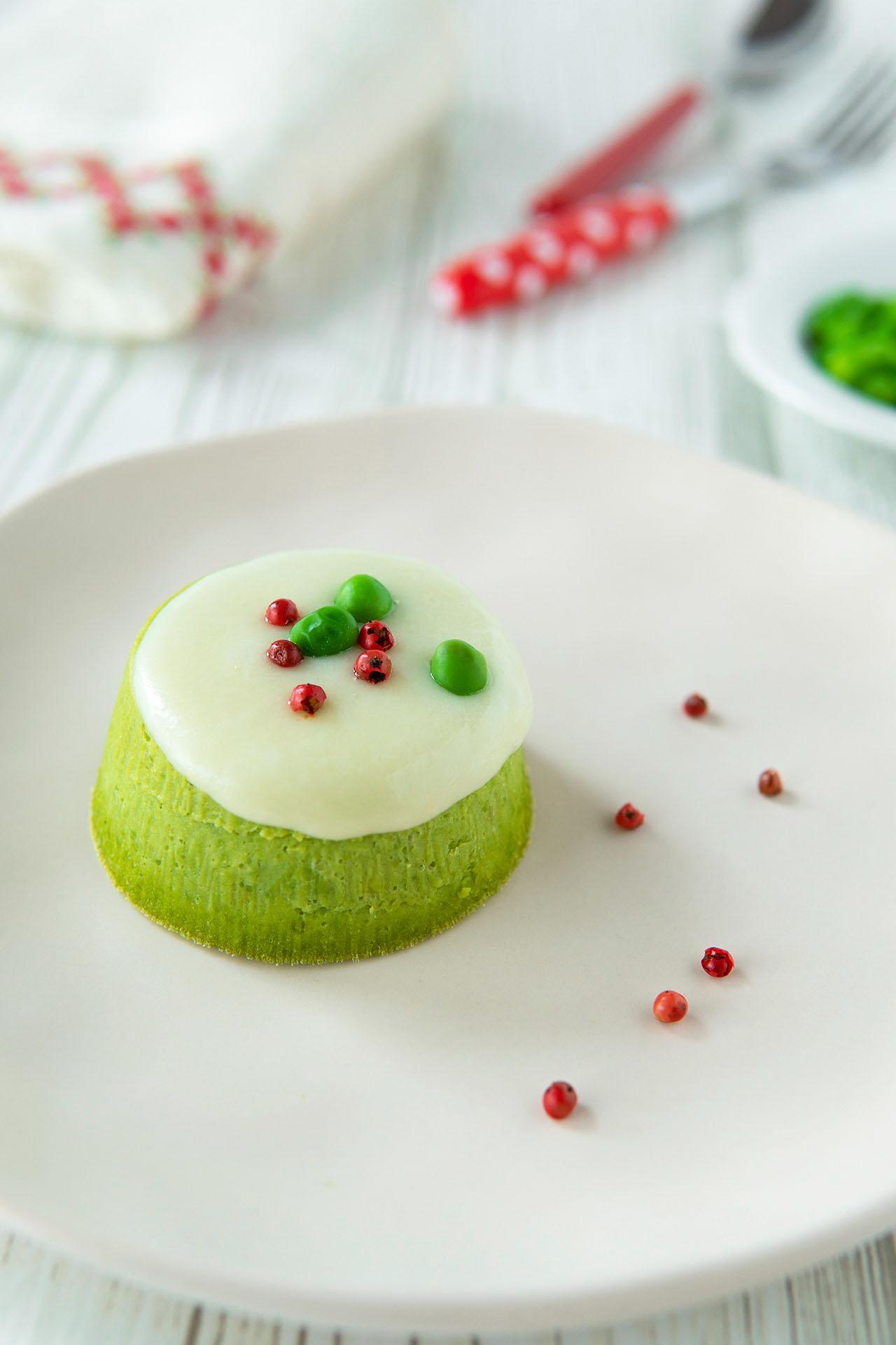 Antipasti natalizi, la ricetta dei flan di piselli e ricotta