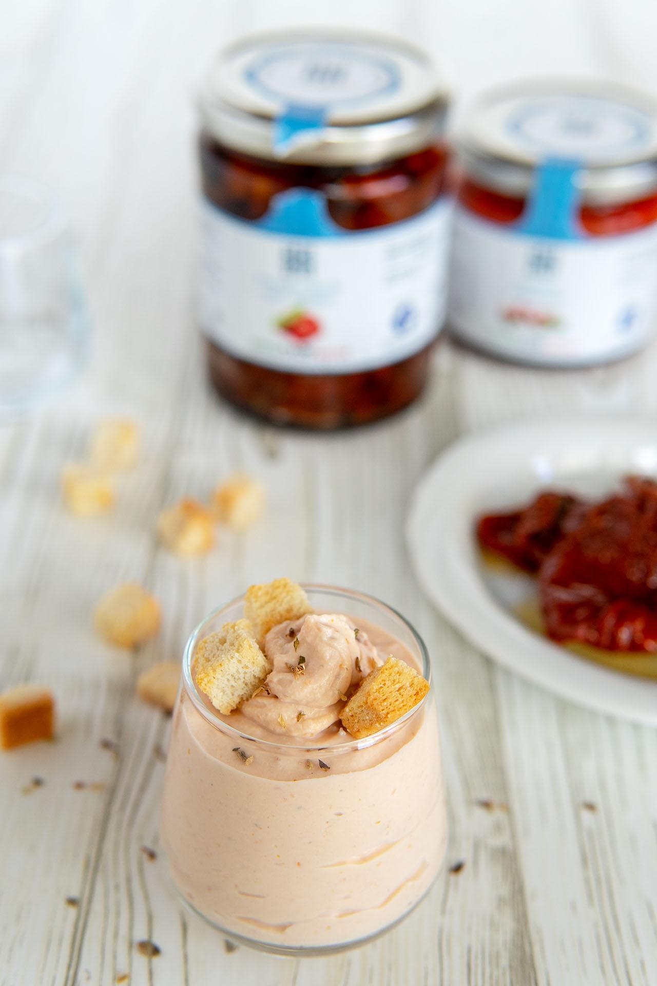 Mousse di ricotta e pomodori secchi, la ricetta facile