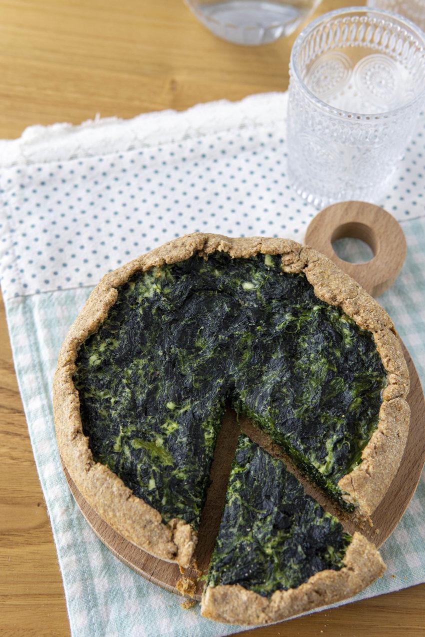 Torta salata integrale ricotta e spinaci, la ricetta sana e leggera